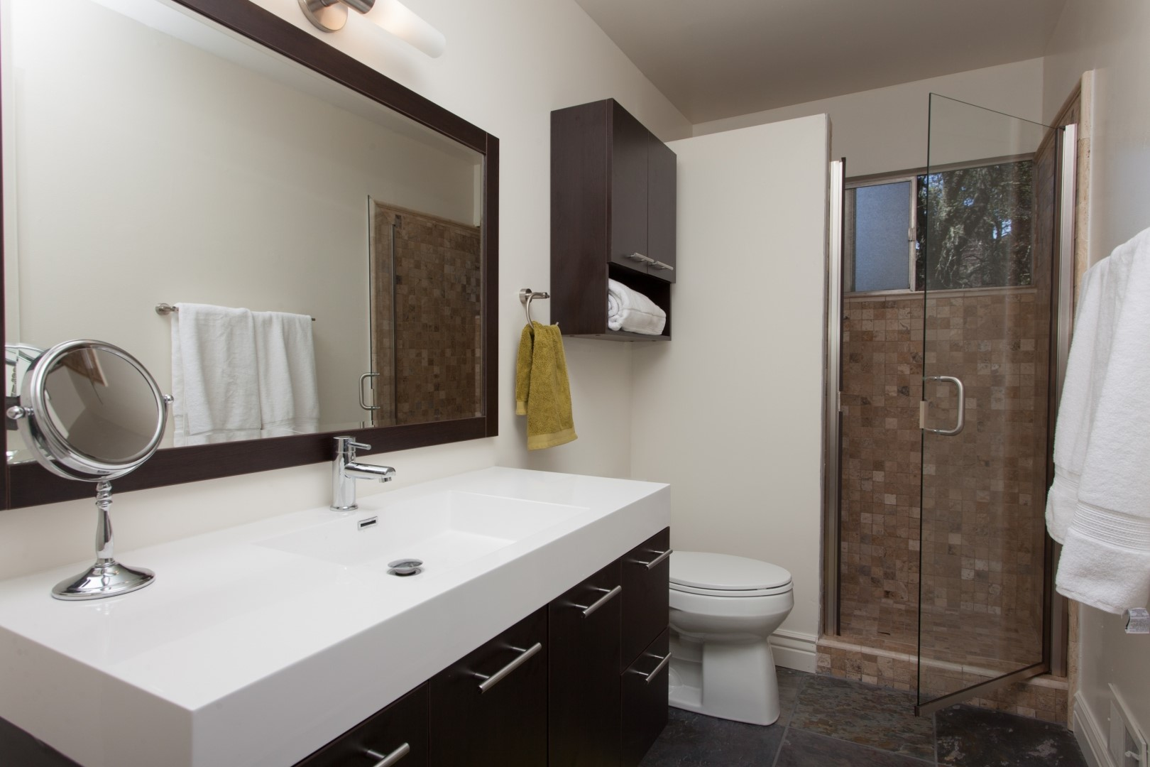 DIY Bathroom Hacks for Renters